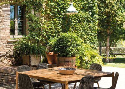 BLR Interiorismo Madrid (P04 Mesa colección Hamp y sillas colección Round)