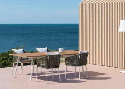 BLR Interiorismo Madrid (K08 Mesa y sillas colección Bitta)